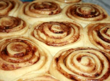Cinnamon rolls best recipe ever