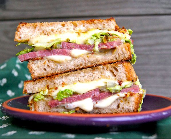 Grilled corn beef sandwich recipe