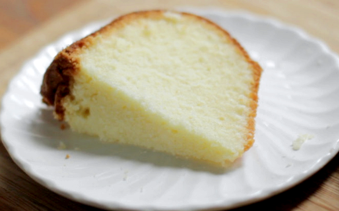 Moist Light Vanilla Cake Recipe