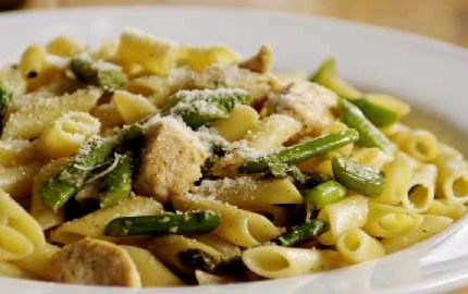 Penne pasta with chicken and asparagus recipe