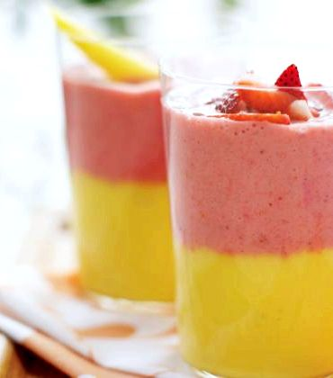 Recipe for fruit smoothie with milk