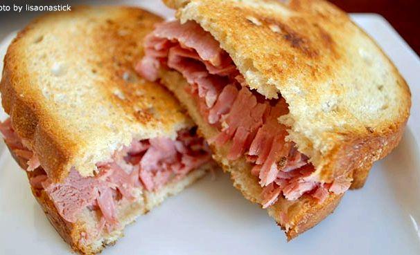 Slow cooker corned beef sandwich recipe