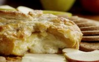 Baked brie in pastry puff recipe