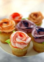 Buttercream recipe for piping roses on cupcakes