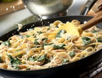 Chicken alfredo with fresh spinach recipe