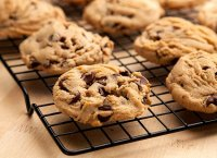 Chocolate chips with peanut candy recipe