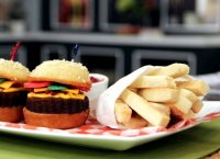 Hamburger cupcake and fries recipe