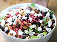 Healthy fruit and nut chicken salad recipe