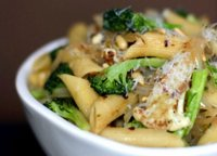 Pasta recipe with broccoli and cauliflower