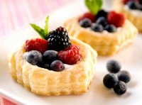 Puff pastry berry tart recipe