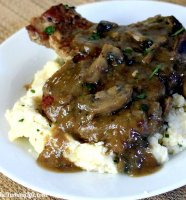 Recipe for pork chops with mushrooms and onions