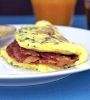 Simple bacon cheese omelette recipe