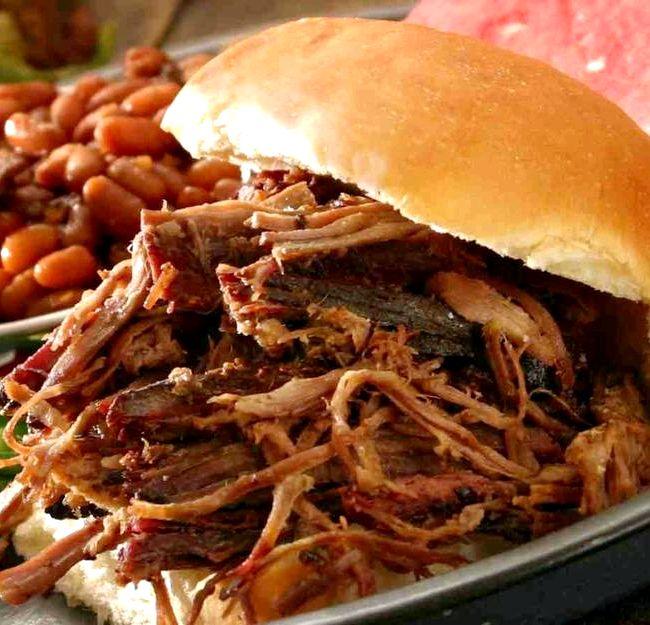Tyler ultimate pulled pork sandwich recipe